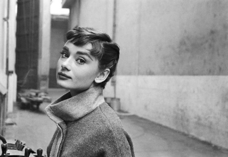 Mantova outlet village opsita Mark Shaw. Audrey Hepburn