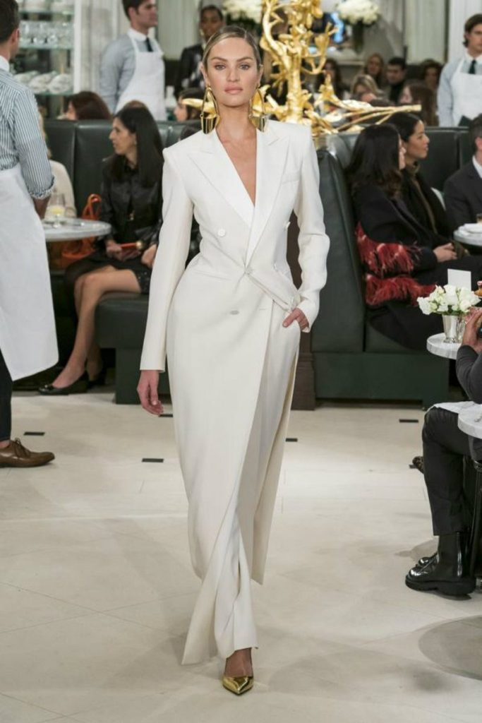 Ralph Lauren spring 2019 in uniformi sensuali. Over coat