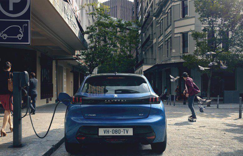 Nuova Peugeot 208 ed e-208 elettrica