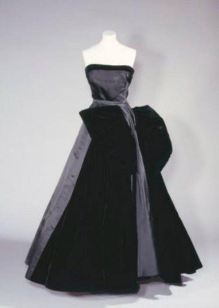 I costumi Dior per il Teatro dell'Opera di Roma. Abito cigno nero Dior