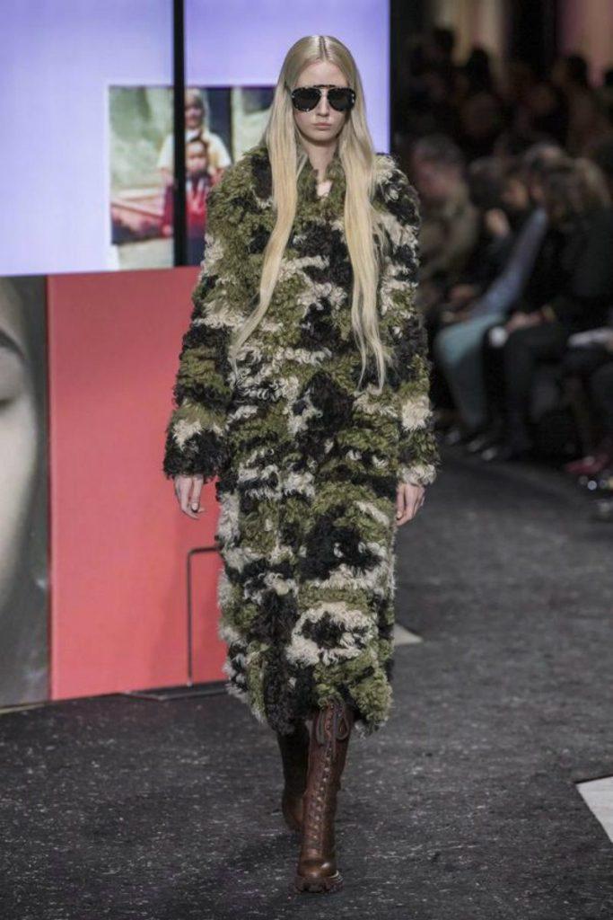 Miu Miu FW 19-20, Miuccia Prada e le sue ribelli. Cappotto camouflage