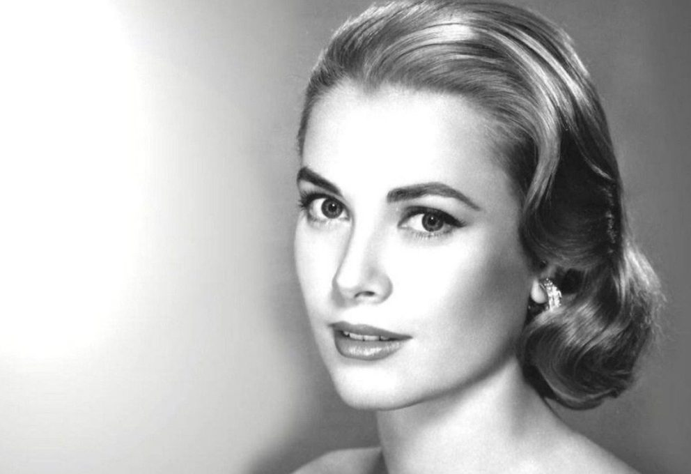 GRACE KELLY IN MOSTRA AL CHRISTIAN DIOR MUSEUM