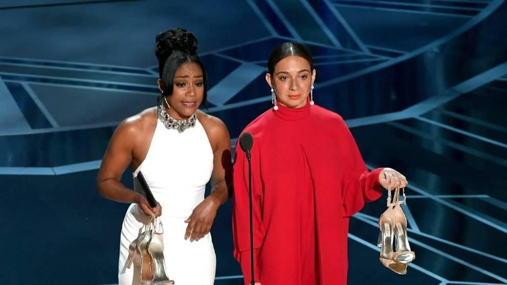 La moda irriverente agli Oscar 2018 con Maya Rudolph e Tiffany Haddish.