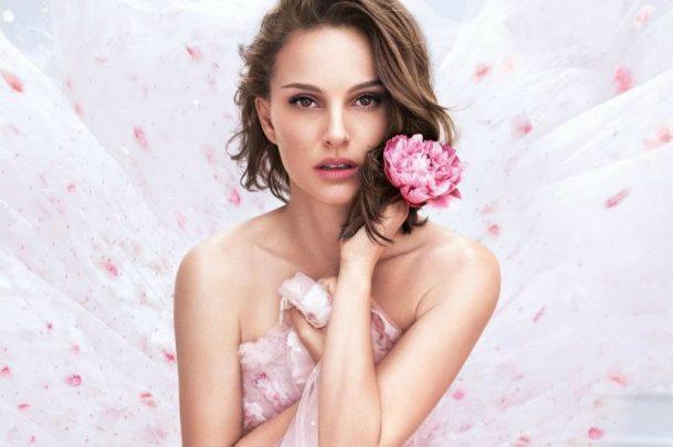 L'attrice israeliana volto di Dior