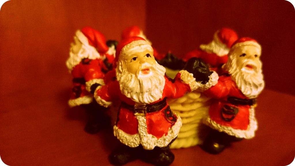 Mikołaje na podgrzewacz