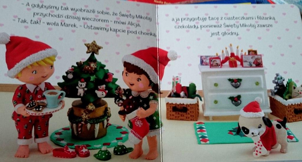 Alicja Bawi sie w Boże Narodzenie środek