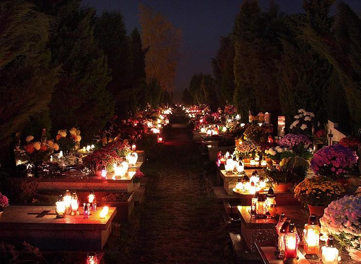 zlote groby - NA CMENTARZACH ZŁOTE GROBY, LOOK I DESIGN