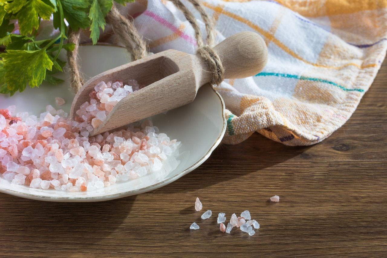 Sól morska – pochłaniacz wilgoci oraz nieprzyjemnych zapachów.