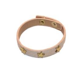 MamaBella AD0017 Nude Stars armband is een trendy armband met reptiel look en goudkleurige studs. Deze armband is gemaakt van imitatie leder en is voorzien van 3 studs in stervorm. De armband sluit met een drukknop en is verstelbaar in twee standen.
