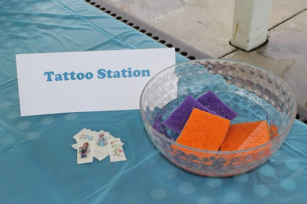 Frozen Birthday: Tattoo Station