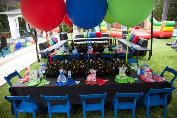 PJ-Masks-Superhero-Birthday-Party-via-Karas-Party-Ideas-KarasPartyIdeas.com53