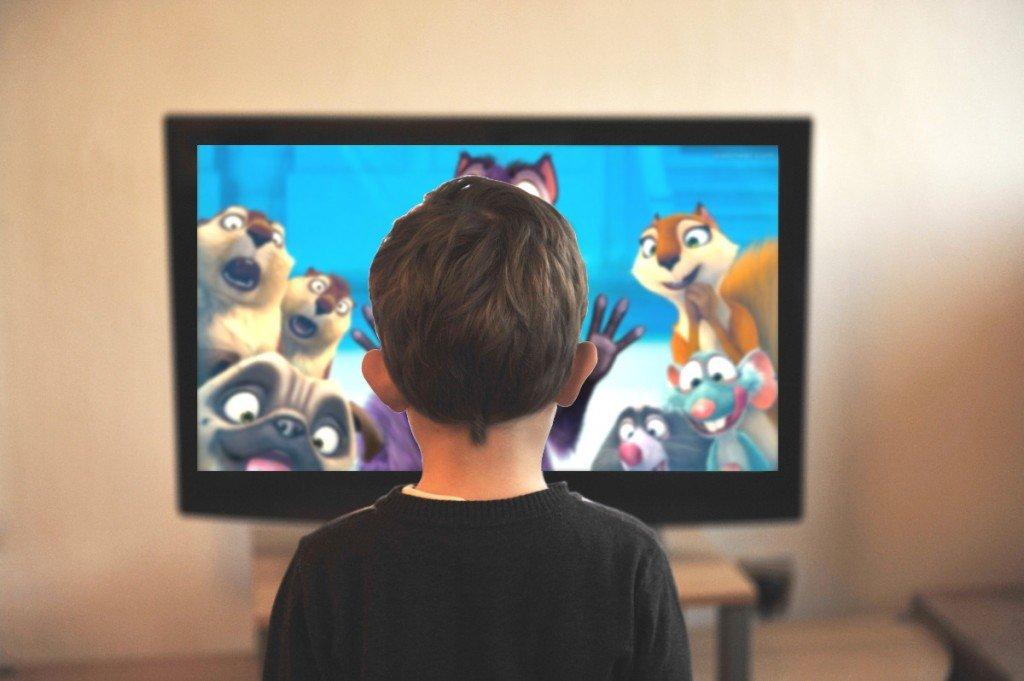 7 Benefícios De Tirar A TV Do Centro Da Sua Sala De Estar