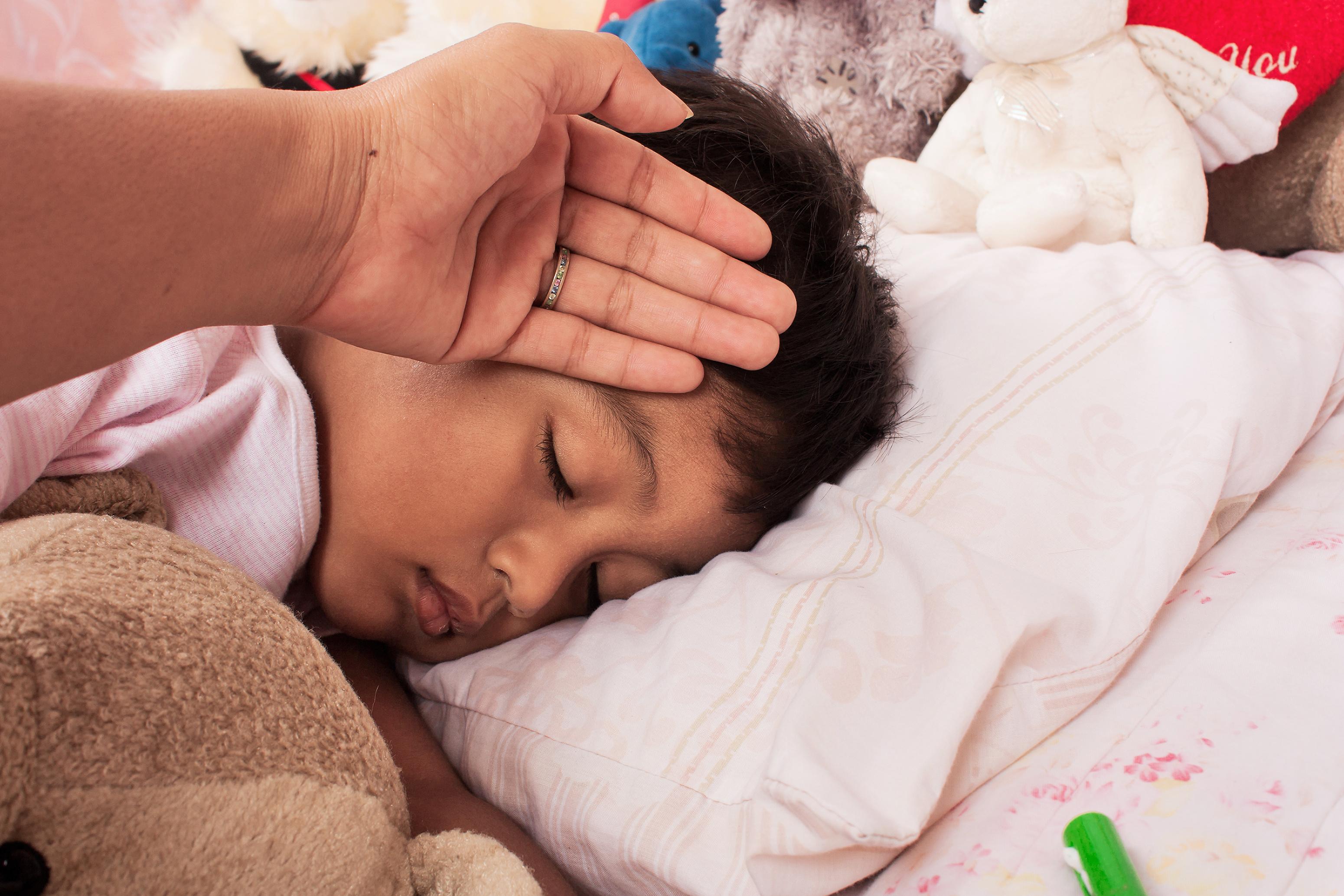 Meningite-crianca-doente