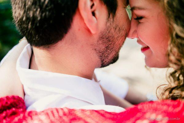 ensaio-de-casal-no-parque-ensaio-de-casal-romantico-ensaio-pre-casamento-ao-ar-livre-fotografo-de-casamento-sp-ensaio-noivos-priscila-e-ricardo-00008