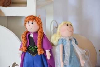 Anna e Elsa no detalhe