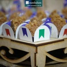 Docinhos juninos decorados em forminhas para festa junina infantil