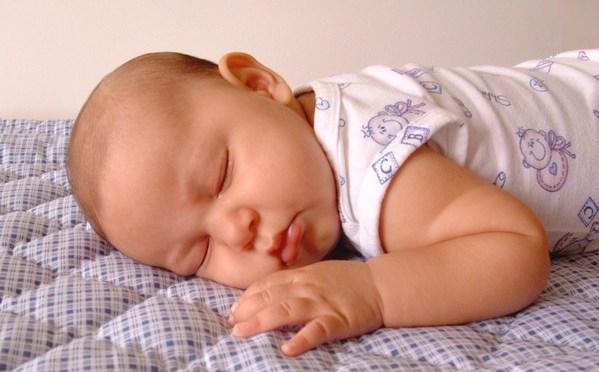 Check list completo para o enxoval do bebê (50 itens!)