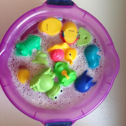 como_limpar_brinquedos_banho-mae_tipo_eu-3