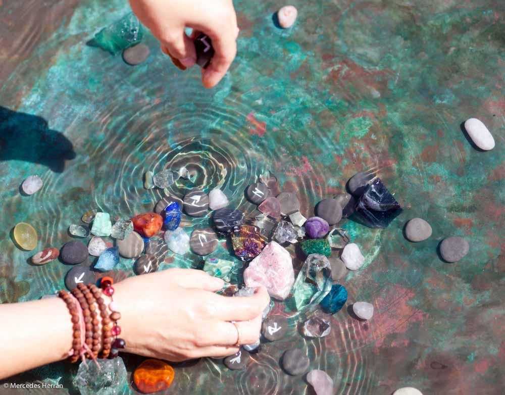 Cristales, cuarzos y minerales para niños mama extraterrestre mindfullness meditacion mercedes herrán