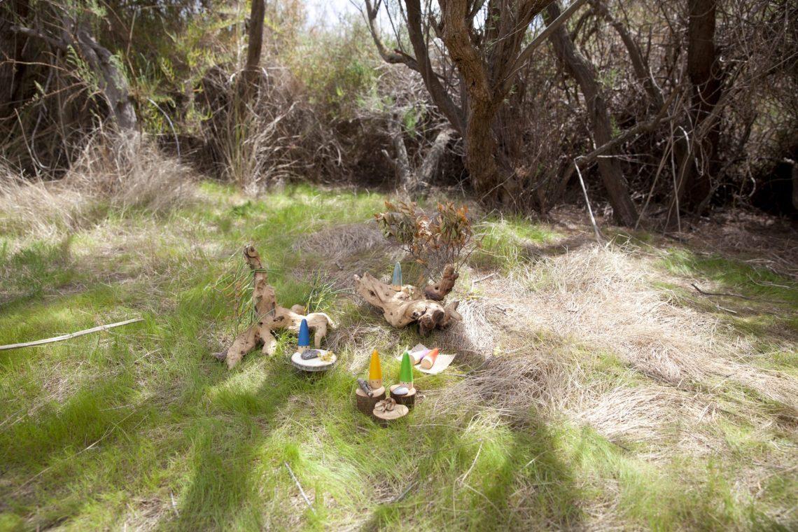 piezas sueltas naturaleza material no estructurado mercedes herran mama extraterrestre #piezassueltas loose parts palos grapat in the wild
