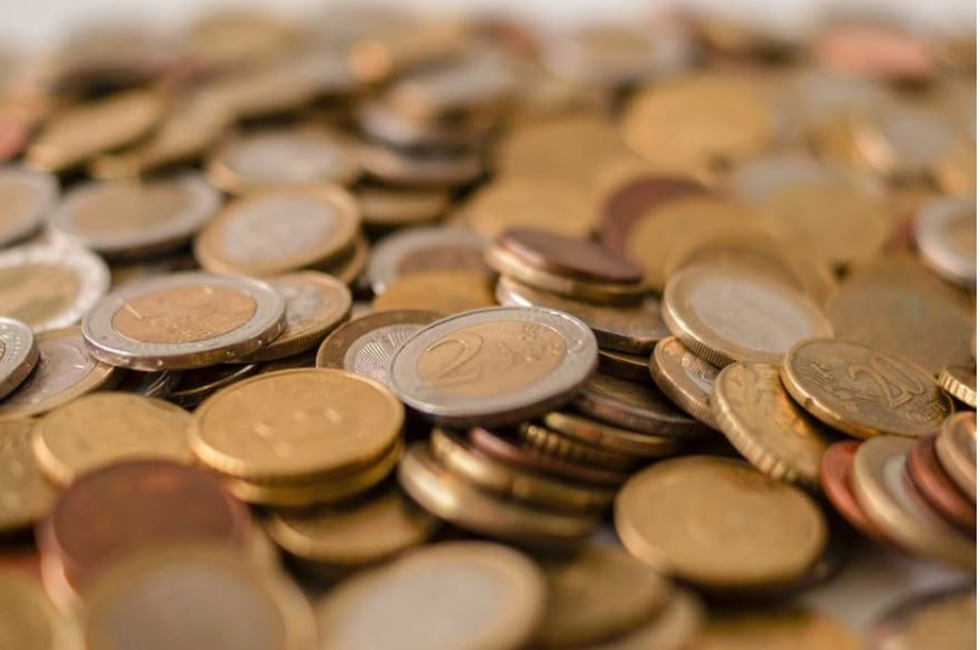 Sort Out Your Bank Account! How To Stop Your Excessive Spending