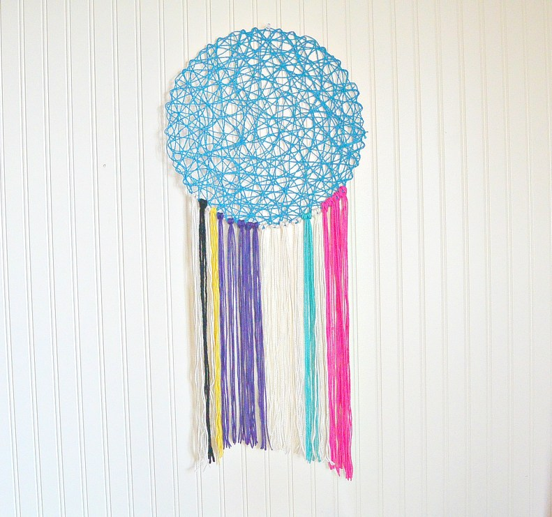 Easy Yarn Wall Hanging