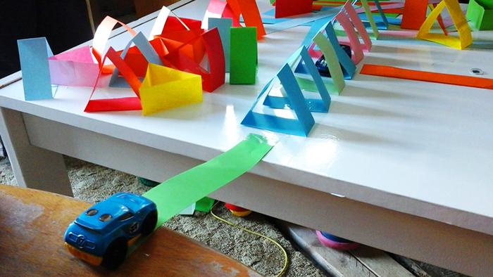 basteln und bauen mit papier.jpg