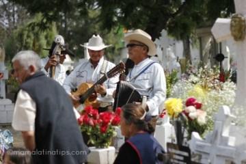 El Ensayo Fotográfico de Mi Hijo sobre el Día de Muertos en México