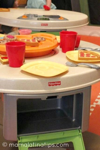 fisher price servin surprises kitchen and table instructions