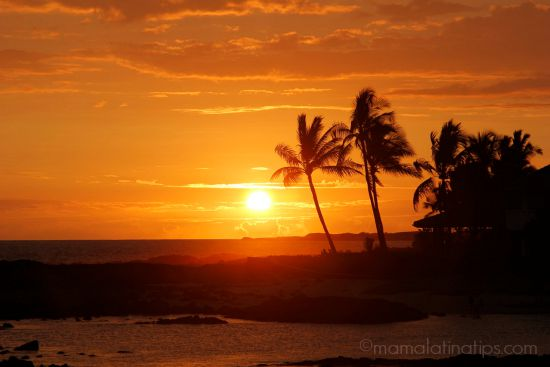Sunset in Hawaii by mamalatinatips.com