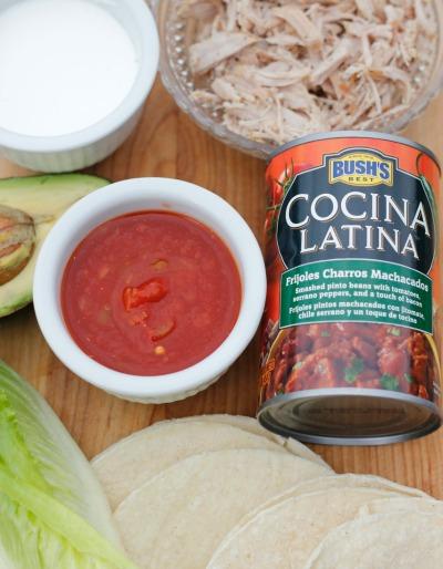 tacos mineros de frijoles charros machacados - ingredientes