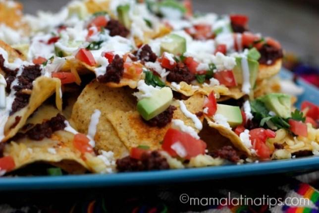 nachos de chorizo a la mexicana en platón