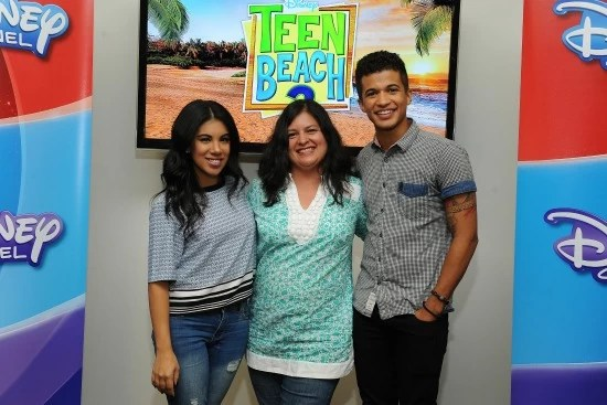 Chrissie Fit, Silvia Martinez and Jordan Fisher - Teen Beach 2 - mamalatinatips.com