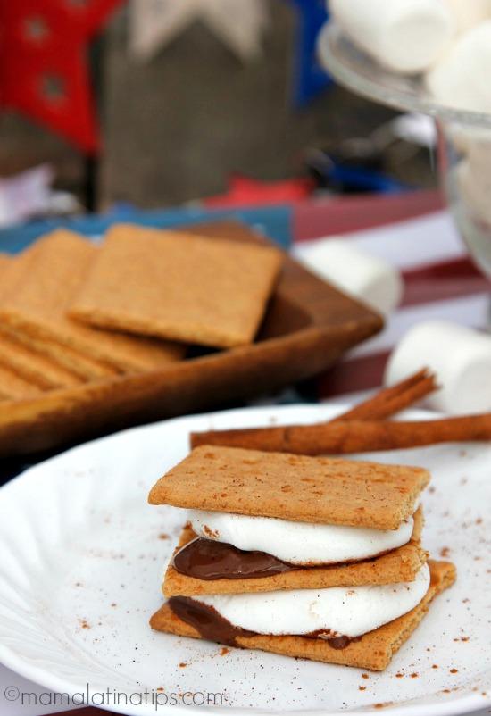 cinnamon-chipotle s'mores - mamalatinatips.com