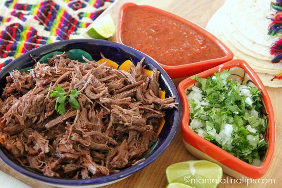 Saca la lengua mexicana recibiendo ordenes al coger