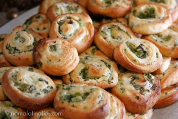 Broccoli, Cream Cheese and Jalapeño Pinwheels