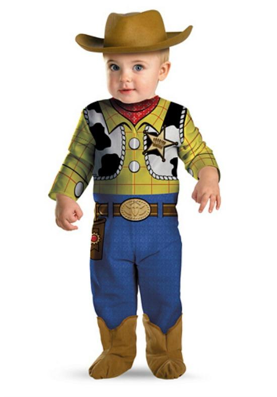 Halloween costume Woody - mamalatinatips.com