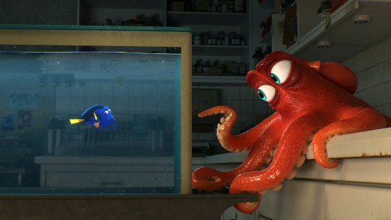Finding Dory and octopus Hank - mamalatinatips.com