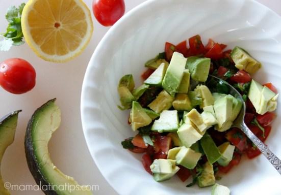 Avocado, tomato and cilantro - mamalatinatips.com
