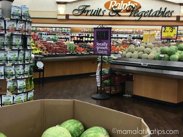 Departamento de frutas y verduras de Ralphs por mamalatinatips.com