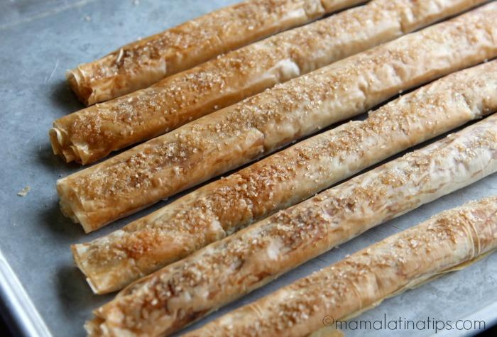 churro-roll-baked-mamalatinatips-700