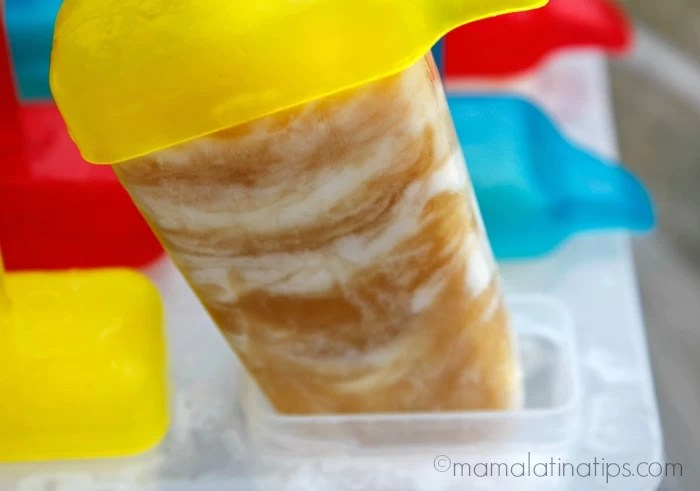 marbled apple pineapple ice pops popsicle - mamalatinatips.com