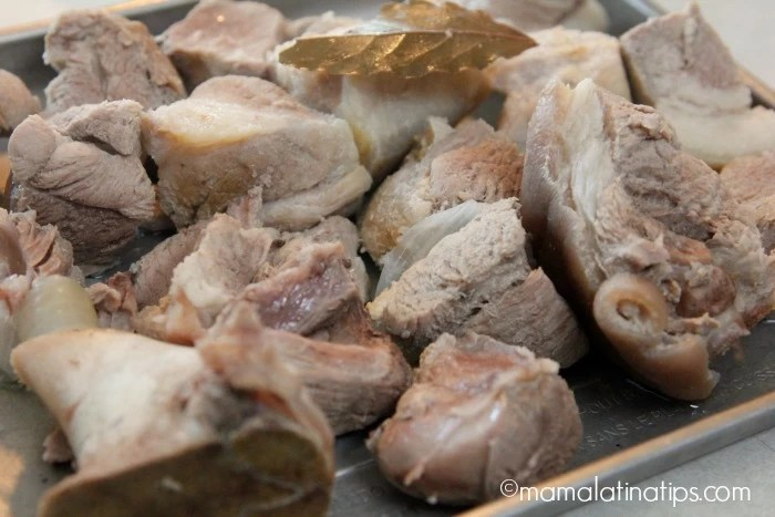 Cooked pork - carne de puerco cocida - mamalatinatips.com