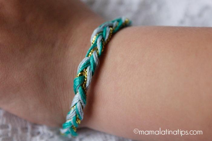 pulsera de Elena de Avalor de colores verde, dorado y azul