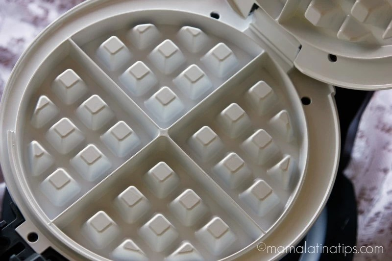 Ceramic interior of cooks waffle maker - mamalatinatips.com
