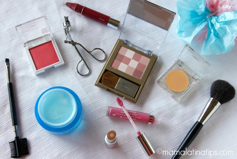 Tips de cuidado de la piel y maquillaje para mamás - mamalatinatips.com