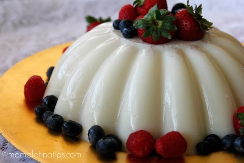 Gelatina de leche con frutos rojos - mamalatinatips.com