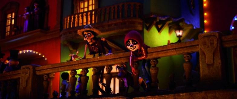 Miguel y Héctor en Coco - mamalatinatips.com