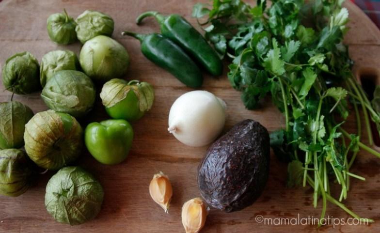 tomatillos cilantro, cebolla