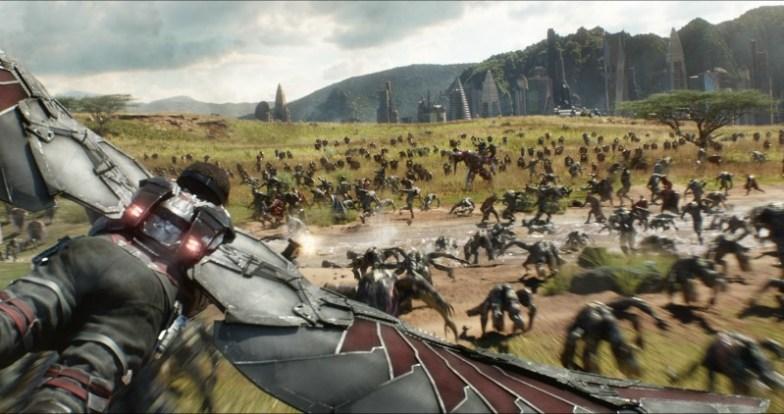 War Machine en la batalla de Wakanda en Avengers: Infinity War
